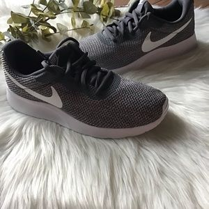 Women Nike Tanjun Sneakers